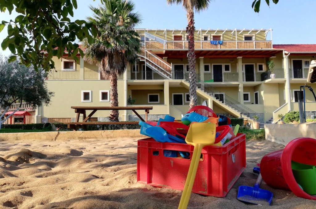 Haus Dimitri im Honigtal Farmland mit Sandkasten